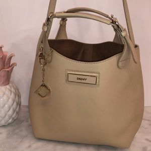 DKNY tan saffiano leather tote great condition 😎